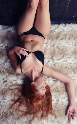 Lina - sexy Escort aus Berlin für Haus und Hotel